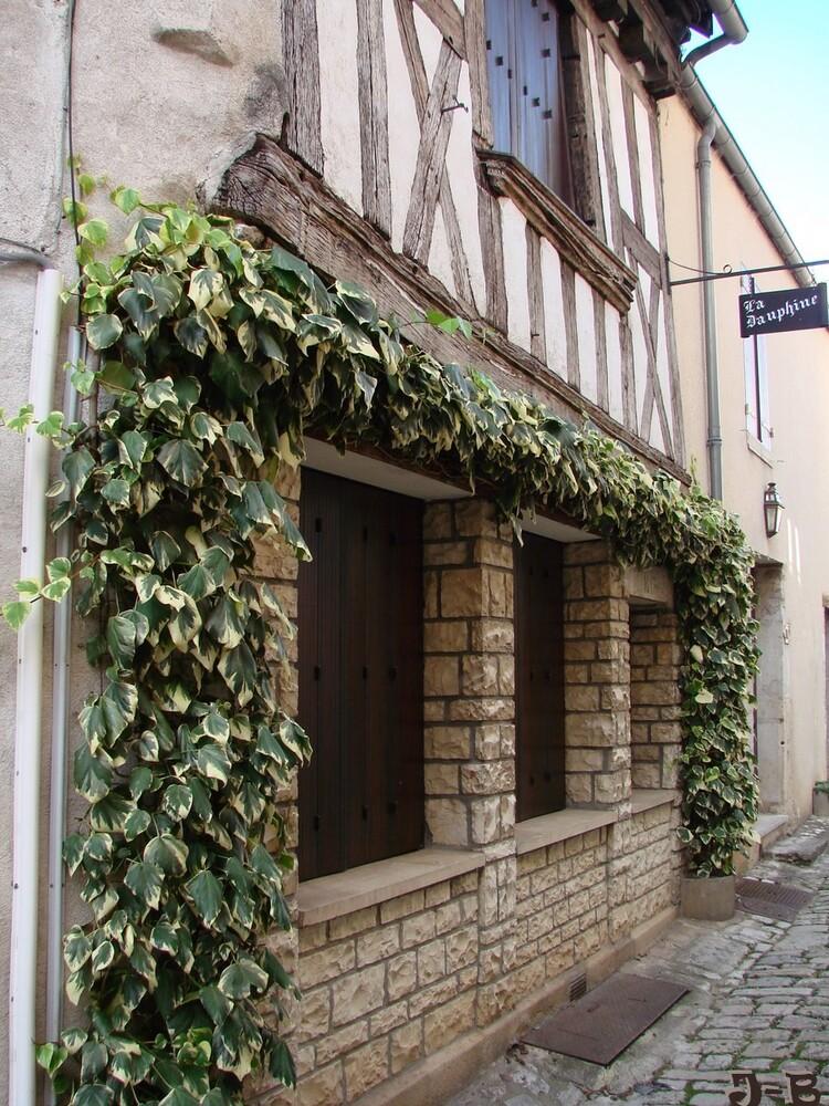 Noyers-sur Serein,dans l'Yonne,