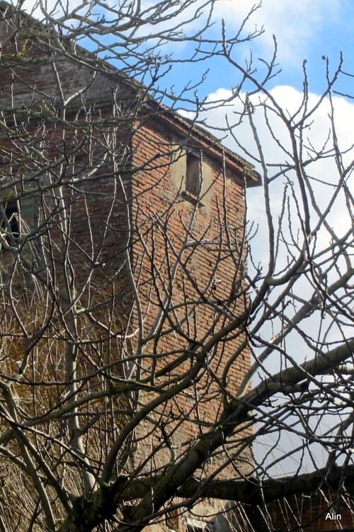 Haut de maison en brique