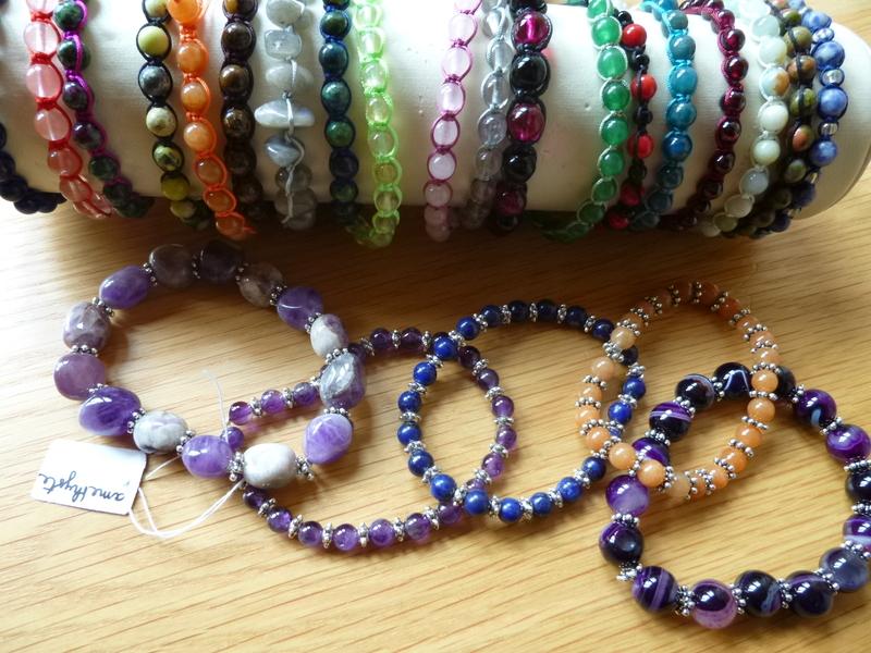 Bijoux en gemmes (pierres dites semi-précieuses)...