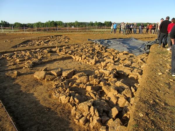 Visite des fouilles du tumulus de Vix avec la Société Archéologique et historique du Châtillonnais (SAHC)