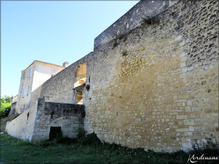 Photos Porte de l'Esconge (Bourg sur Gironde)
