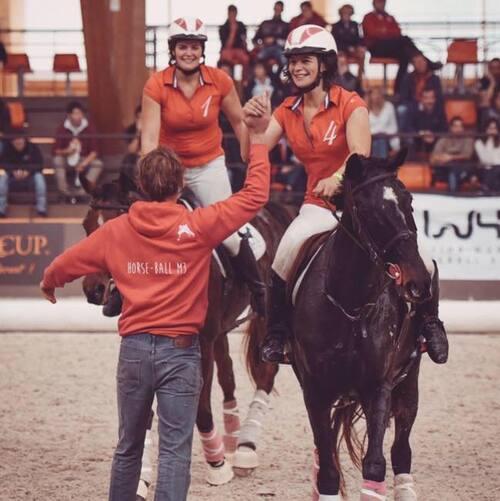 Mathilde Duboscq se prépare pour la coupe du monde de horse ball