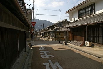 800px-uda_matsuyama18s3872