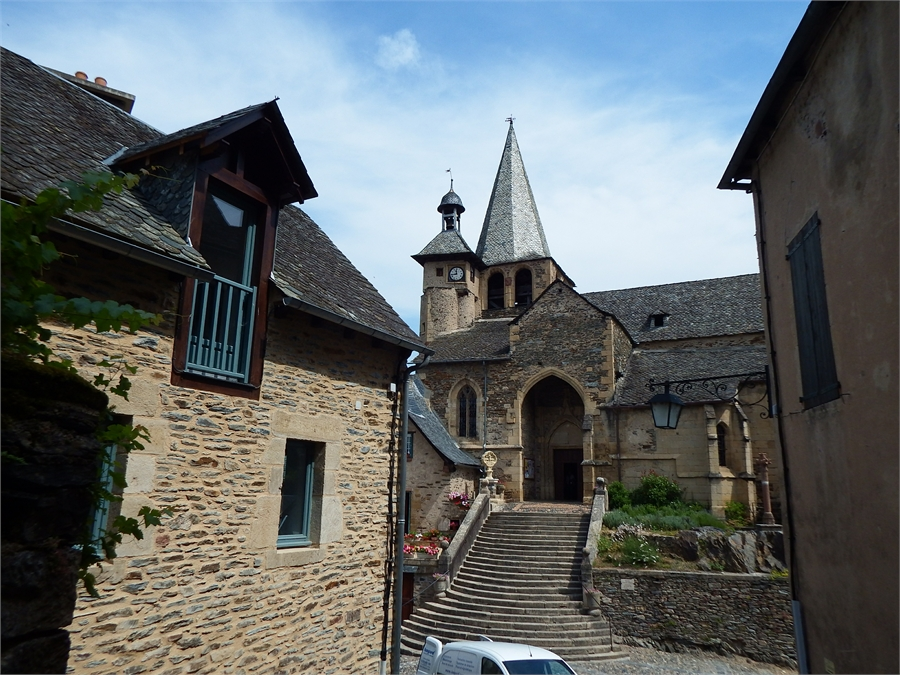 l'église Saint Fleuret d'Estaing  dept 12