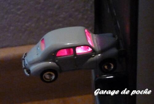 Renault 4cv USB