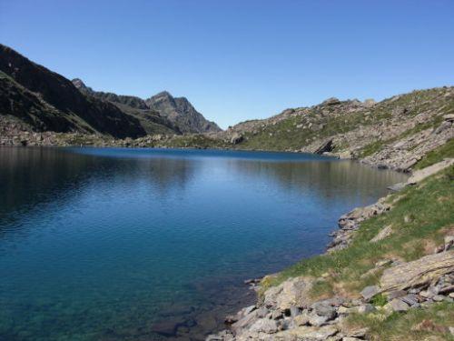 LES LACS DE L'ARIEGE L'ETANG DE MEDECOURBE dans Lacs et étangs de l'Ariège BkR7bqbs8hBXZHZqMI90MZyEb6M
