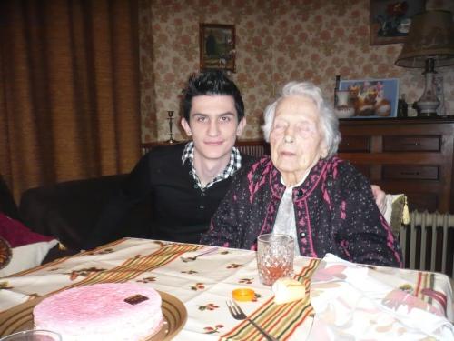 mémé aurait eu 104 ans aujourd'hui....