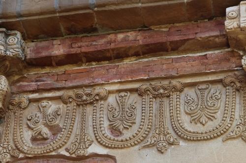 Le temple Htilominlo à Bagan