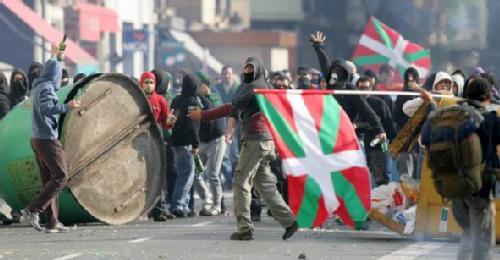 Askatasunaren Bidean Batzarra (Français) - déclaration collective d'ancien-ne-s militant-e-s, prisonnier-e-s et exilé-e-s révolutionnaires basques