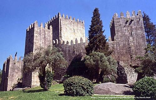 portugal-guimaraes-chateau