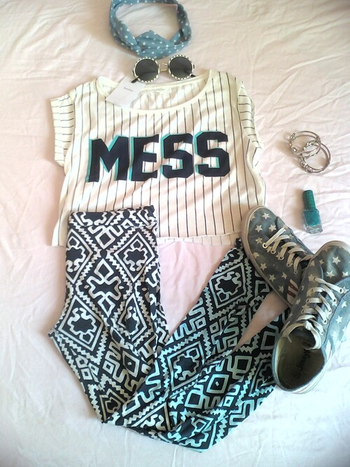 the t-shirt from : bershka the legging from :new look the sneakers from jennifer the headdress from : bershka