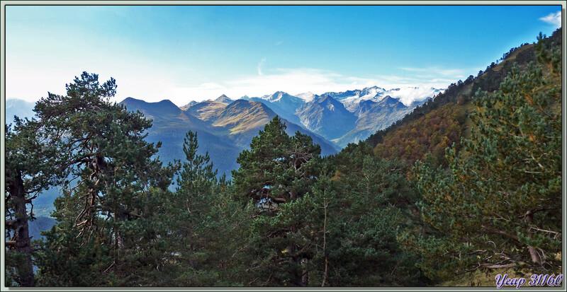 Le massif de l'Aneto (3404 m, point culminant des Pyrénées) - Vilamòs - Val d'Aran - Espagne