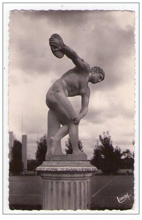 La Statue disparue du Stade
