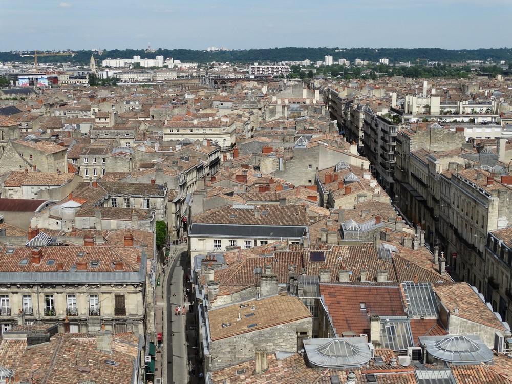 La Tour Pey Berland : vue sur la Cathédrale Saint-André...