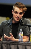 robert-pattinson-072111-7