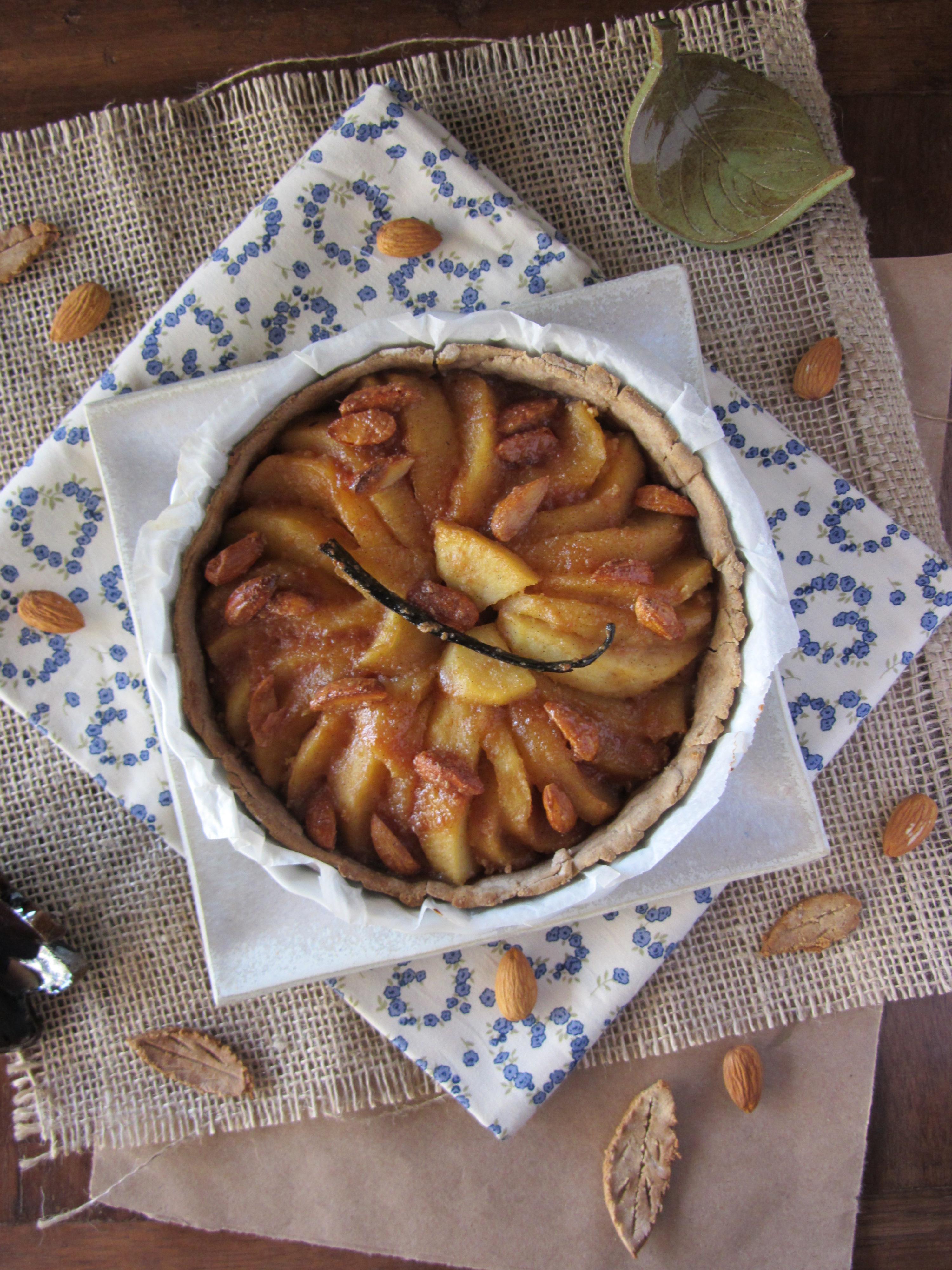 tarte aux pommes et aux amandes caram lis es p te la farine de ch taigne. Black Bedroom Furniture Sets. Home Design Ideas