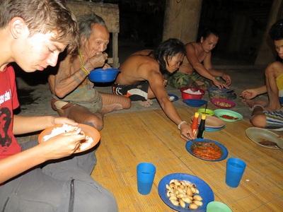 10 Juillet - Siberut - Premier contact avec les Hommes Fleurs