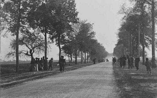 Canonball en 1903 à Thivars