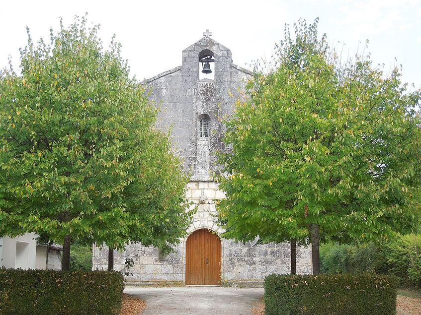 Salles-d'Angles, Chapelle des Templiers, westfacade.jpg