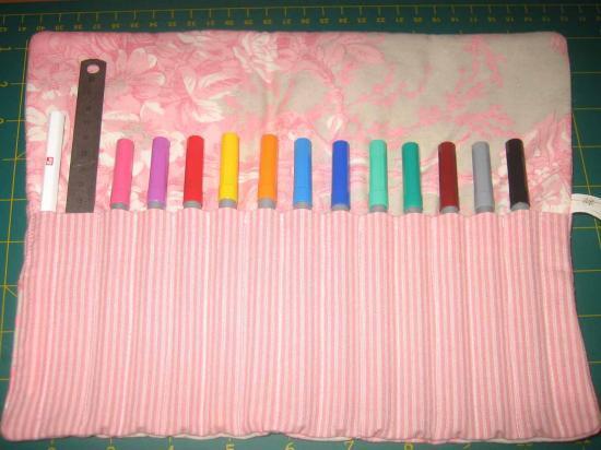Tuto trousse crayons un petit bout de fil - Tuto trousse crayons de couleur ...