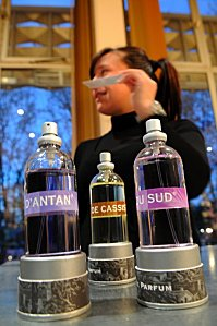 PROVENCE-PRESTIGE-2011-eau-de-parfum-de-Cassis-61765_156744.jpg