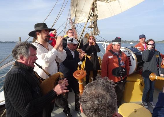 La Strollad Kozh à bord du Morgenster en compagnie des anciens de Lann-Bihoué