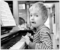 l 39 enfant au piano de serge lama interpr t par papy59. Black Bedroom Furniture Sets. Home Design Ideas