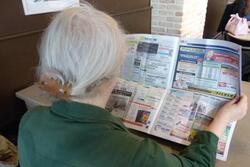 À 69 ans,elle est forcée de retravailler