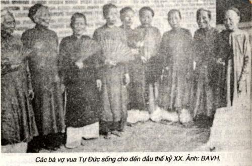 La famille royale des NGUYEN