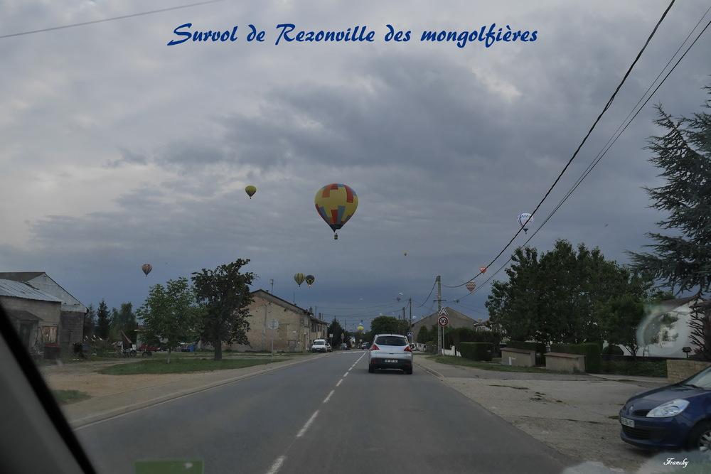 survol de Rezonville des mongolfières