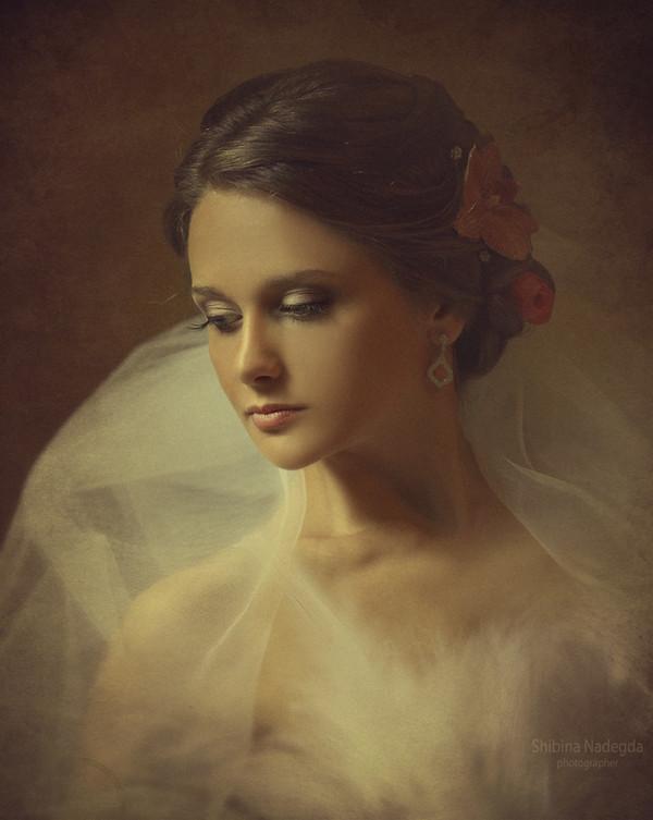 UNE FEMME DEVRAIT AVOIR...  ET DEVRAIT SAVOIR...! De Maya ANGELOU