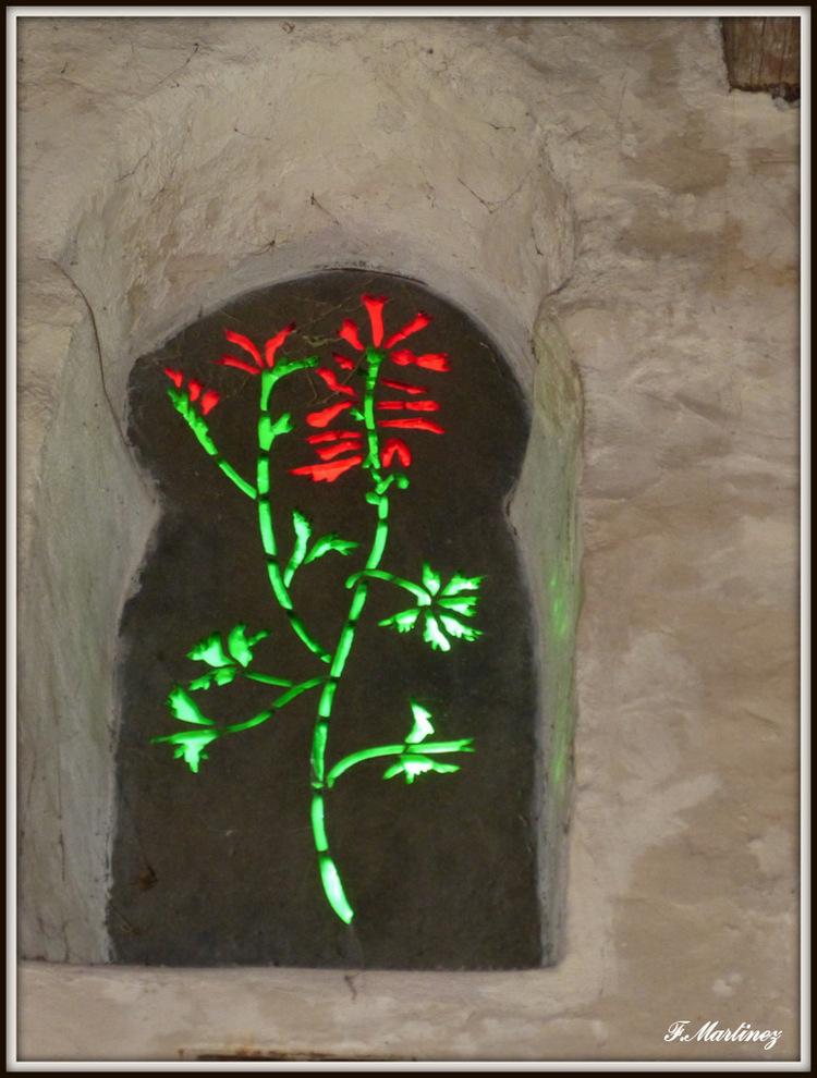 L'un des vitraux conçus par Jean Cocteau