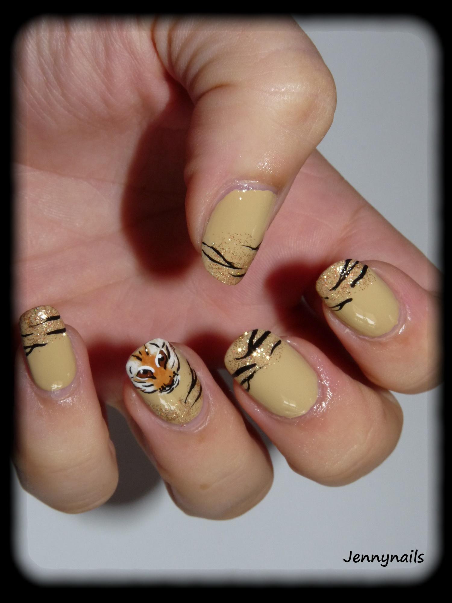 deco ongles tigre