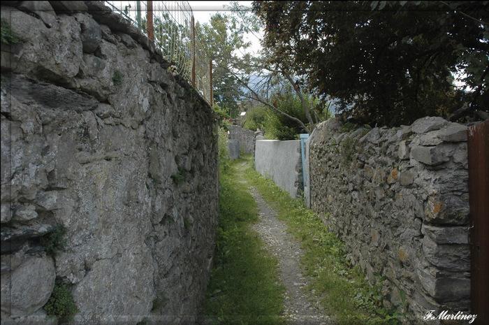 Les remparts médiévaux du vieux Corps.