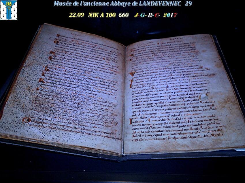 Le musée 7/9 de l'ancienne Abbaye de  LANDEVENNEC     D     08/02/2019
