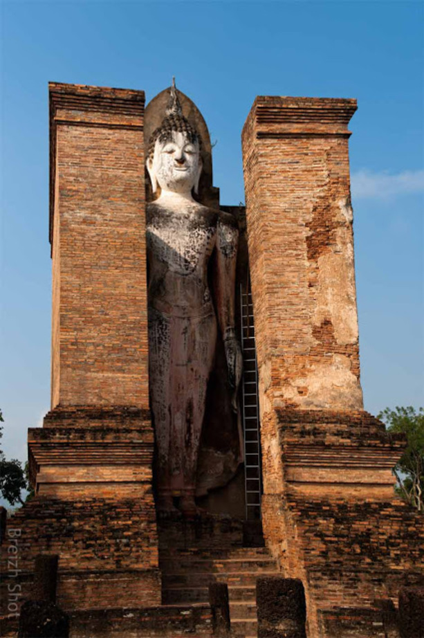 Wat Mahathat - Sukhothaï :  Bouddha debout Phra  Attarot