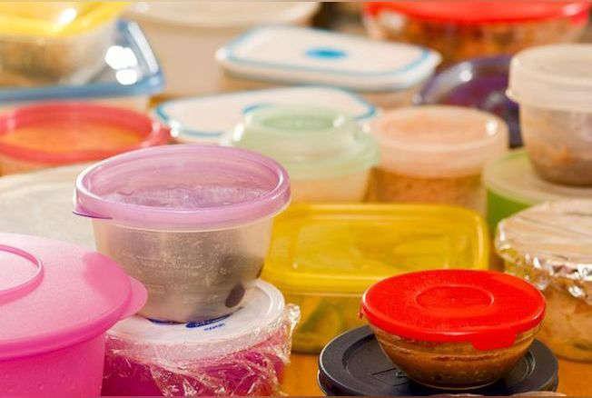 Voici des aliments qu'il ne faut surtout pas mettre dans des boîtes en plastique !
