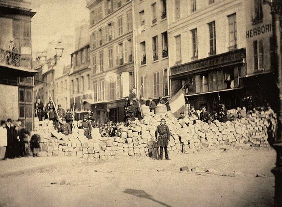 Paris XI - Commune de Paris 1871 - Barricade Rue de la Roquette (via Paris Unplugged):