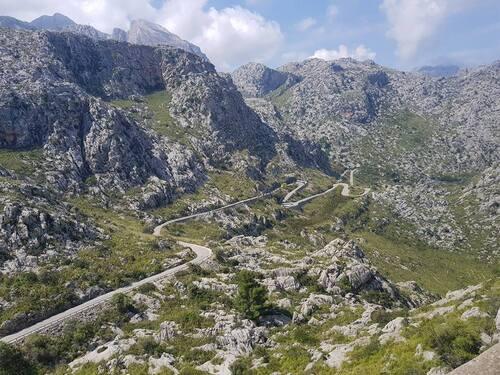 descente du canyon direction sa calobra , le torent del pareis ...