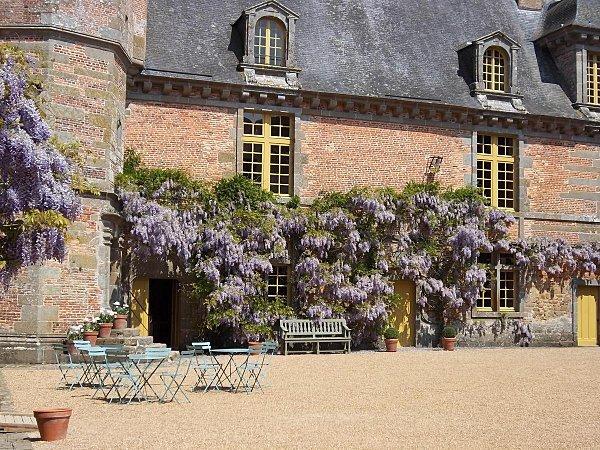 chateau-de-carrouges--9-.JPG