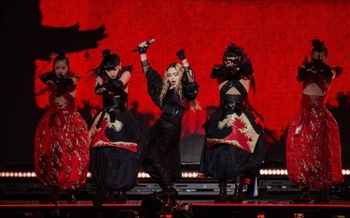Rebel Heart Tour - 2015 12 12 Zurich (1)