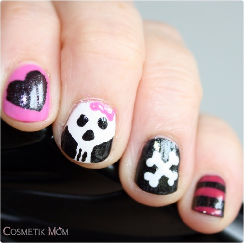 The SUnday Nail Battle // Creepy Nail, des os et des têtes de mort