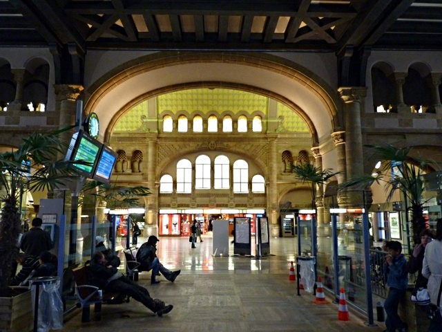 Gare de Metz Hall Départ - 29 05 10 - 17