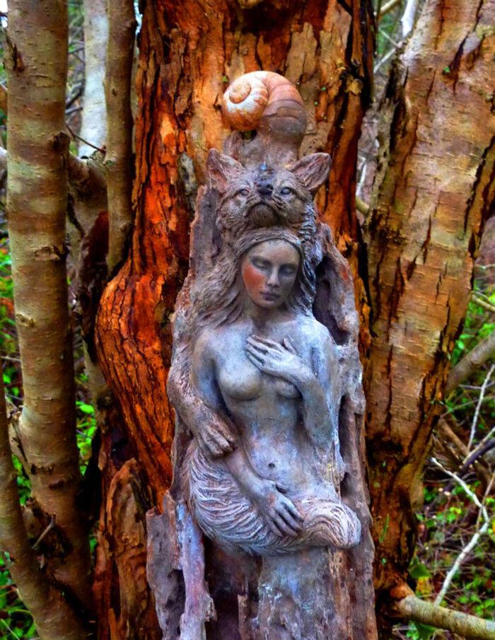 Debra Bernier est une sculptrice