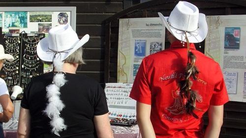 accessoires de chapeaux country réalisés à la main par sylvie le brigant