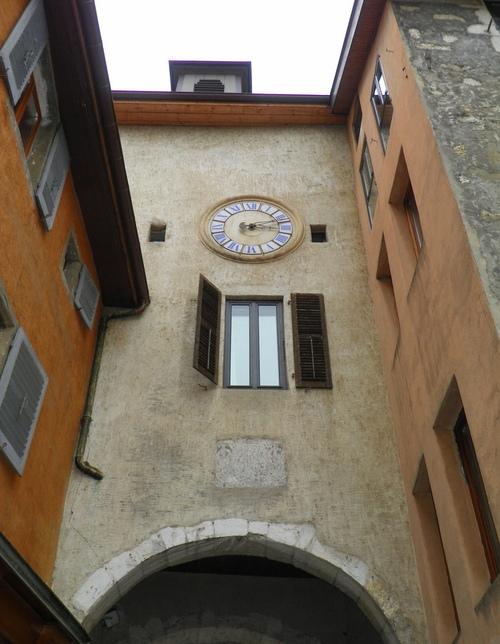 L'horloge de la porte Sainte Claire