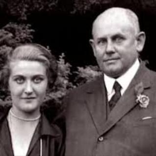1930... Le dilemme de la future Magda Goebbels !