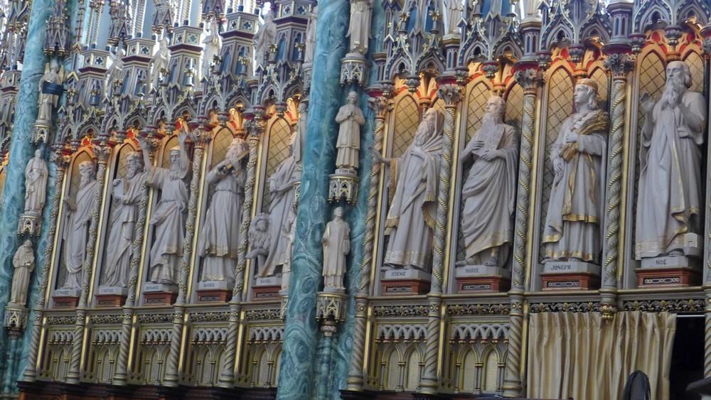 La Basilique-cathédrale Notre-Dame d'Ottawa...