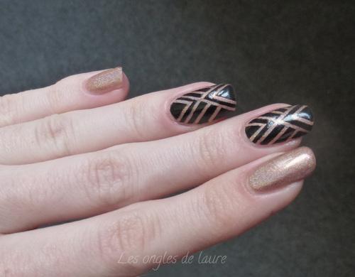 Nail Art simple et rapide avec un vernis holographique