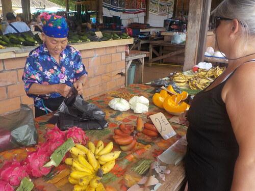 sur le marché de Cacao